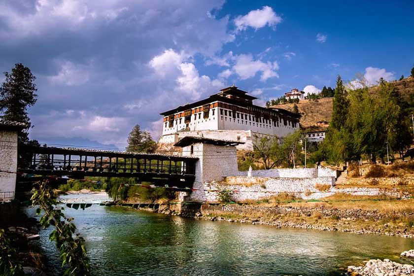 دزونگ بوتان ساختمان و معماری هماهنگ با طبیعت
